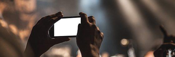 QUESTIONARIO DI SODDISFAZIONE E FOTO INEDITE 2018 --smartphone-407108_640-e1486410033802
