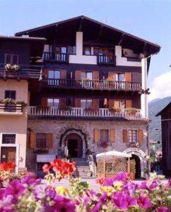 Soggiorno Estivo Estate INPSieme 2019 | Dolomiti | Sport Dolomitici-antico-borgo-1-242x300
