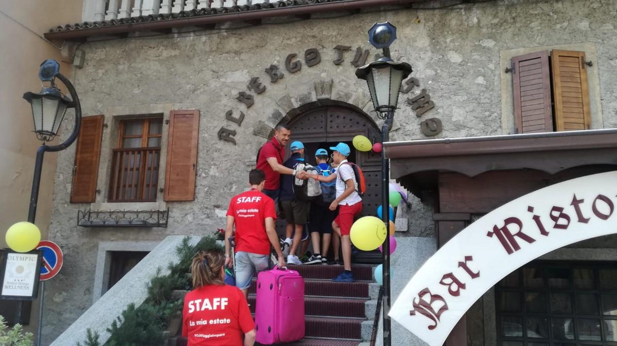 Hotel Antico Borgo 3*** // Milan Camp Junior Archivi --ANTICO-BORGO-ARRIVI-TURNO-1-GIORNO-1-2
