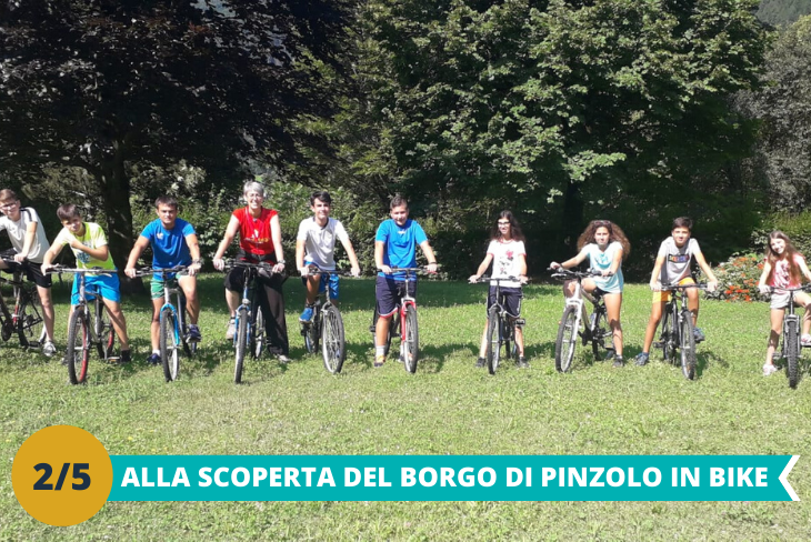 Visita al borgo di Pinzolo in bike, seguendo un percorso naturalistico per raggiungere la città