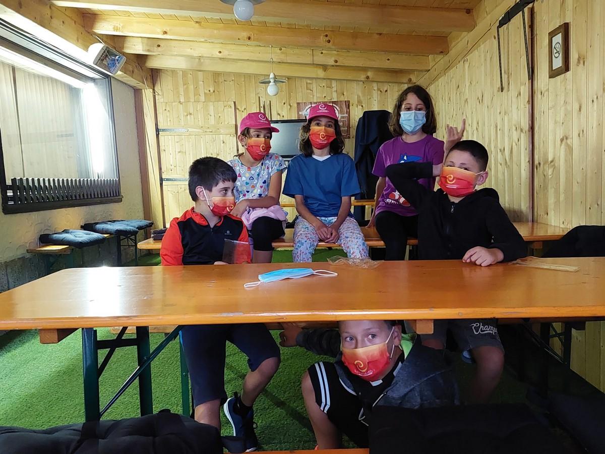 Hotel Fiocco di Neve 3*** // English Adventure Camp // Junior Archivi --Fiocco-di-Neve-inglese-Turno-2-Giorno-1-7