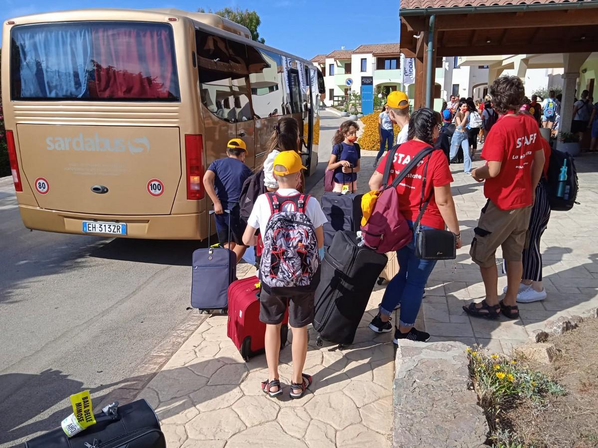 Hotel Baia delle Mimose 4**** // Il tuo camp d'inglese in Sardegna // Junior Archivi --Hotel-Baia-delle-Mimose-IL-TUO-CAMP-DI-INGLESE-IN-SARDEGNA-1-turno-1-7-2021-7