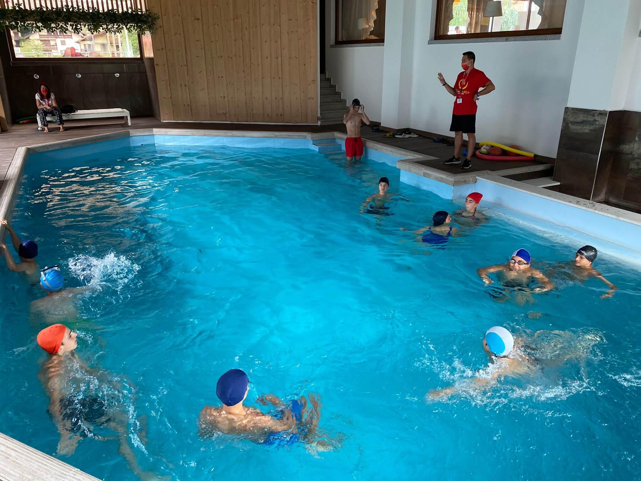 Hotel Olympic Regina 3*** // Summer English Camp // Senior Archivi --piscina-2