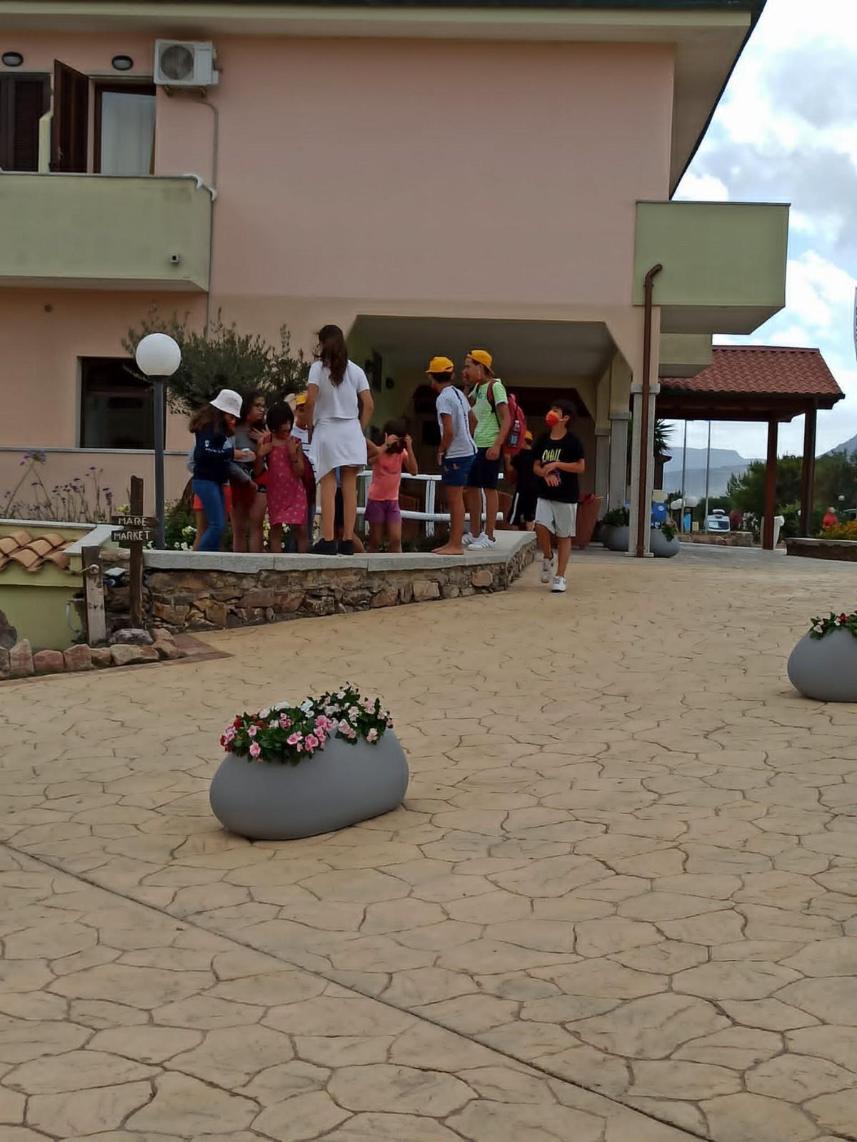 Hotel Baia delle Mimose 4**** // Il tuo camp d'inglese in Sardegna // Junior Archivi --HOTEL-BAIA-DELLE-MIMOSE-IL-TUO-CAMP-DI-INGLESE-IN-SARDEGNA-14-7-20212
