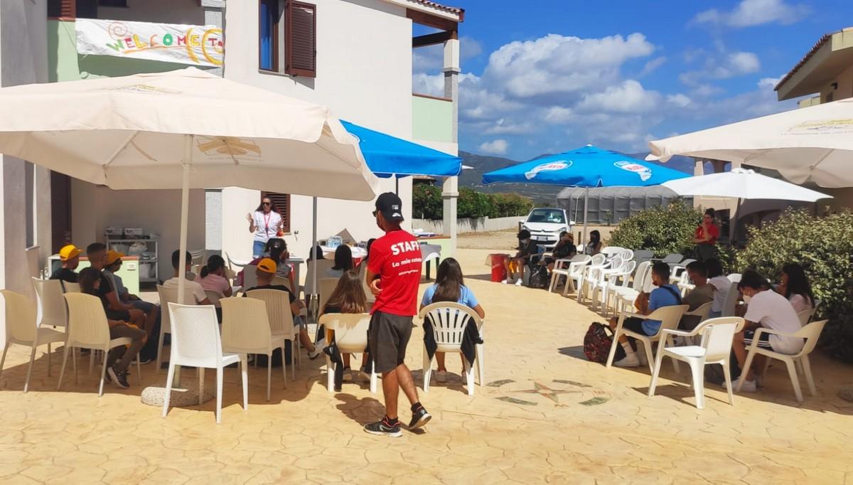 Hotel Baia delle Mimose 4**** // Il tuo camp d'inglese in Sardegna // Junior Archivi --HOTEL-BAIA-DELLE-MIMOSE-IL-TUO-CAMP-DI-INGLESE-IN-SARDEGNA-2-TURNO-15-7-20212